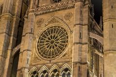 Catedral de Len. (David S. Daz) Tags: santiago espaa de camino monumento sony catedral leon vidrieras gotico nex