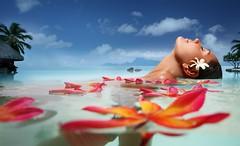 (emmabernard) Tags: piscine swimmingpool flowers bath relaxing wellbeing bientre