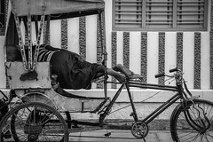 Tiruchirappalli | Tamil Nadu (chamorojas) Tags: 60d chamorojas albertorojas bw india rickshaw sleeper tamilnadu tiruchirappalli trichy