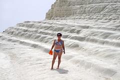 Jole_Scala_dei_Turchi_4976 (Manohar_Auroville) Tags: girls sea italy white beach beauty seaside rocks perspectives special scala sicily luigi dei agrigento fedele turchi scaladeiturchi manohar