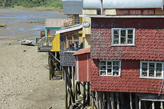 stilt houses (Hayashina) Tags: chile window southamerica stilthouse chiloeisland