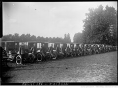 1915. A Bagatelle, convoi d'autos ambulances russes, 5-9-15 [alignes pour la bndiction] (foot-passenger) Tags: bibliothquenationaledefrance bnf gallica oldphoto 1915 ambulance france wwi worldwari
