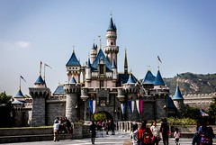 Sleeping Beauty Castle (Daniel E Lee) Tags: winter holiday castle canon hongkong day disneyland january naturallight adobe handheld canonef1740mmf4lusm sleepingbeauty sleepingbeautycastle disneylandhongkong 550d t2i kissx4 lightroom4