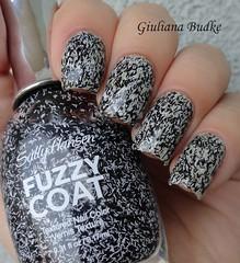 Sally Hansen - Tweedy (Fuzzy Coat) (giu_a_b) Tags: nailpolish fuzzycoat