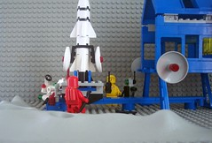Inter-Galactic Command Base Rocket Track (Canticleer Blues) Tags: classic robot mod lego space rocket base command intergalactic 6971