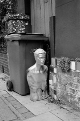 East Dulwich #1 (ZX9 - Keith H) Tags: blackandwhite sculpture london film statue pavement agfa rodinal m2 dulwich 125 wheeliebin apx400 10min 20degc voigtlandercolorskopar35mmf25c