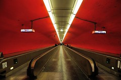 Vanishing point - 2 (jmvnoos in Paris) Tags: red paris france underground subway rouge nikon mtro explore 100views 400views 300views 200views 500views 800views 600views 700views 1000views d300 2000views 10000views 30faves 5000views 15000views 3000views 900views 100faves 50faves 4000views 6000views 10faves 20faves explored 40faves 7000views 8000views 12000views 60faves 70faves 9000views 80faves 90faves 11000views 110faves 14000views seeninexplore 13000views jmvnoos 10favesext