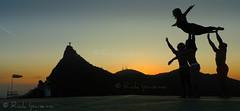 Rio de Janeiro: O Por do Sol e os Artistas - Mirante Dona Marta (.**rickipanema**.) Tags: sunset pordosol brazil rio brasil riodejaneiro cidademaravilhosa cristoredentor corcovado cristo crepusculo christredeemer donamarta mirantedonamarta riodejaneirobrasil riodejaneirocidademaravilhosa cidadeolimpica sunsetinrio brazil2014 brasil2014 cidadedoriodejaneiro rio2016 thestatueofchristtheredeemer sunsetinriodejaneiro pordosolnoriodejaneiro pordosolnorio cristoanoite afrocirco crepusculonorio rio2014 thestatueofthechristofredeemer cidadedesosebastiaodoriodejaneiro christofredeemer rio2013 heliportododonamarta {vision}:{sunset}=097
