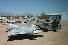 Delta Dart & Lightning (twm1340) Tags: arizona english electric museum tucson space air delta az pima lightning dart convair 2013 pasm f106a f53