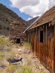 Inyo National Forest, White Mountains, Roberts Ranch, Cabin and Smelter (darthjenni) Tags: california old trip travel vacation rock landscape junk rust mine desert great whitemountains basin mining nostalgia mojave processing ghosttown bishop extraction owensvalley culturalheritage goldmine inyonationalforest areaofcriticalenvironmentalconcern basinandrangeprovince