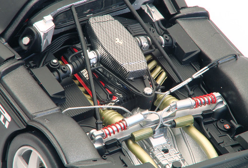 Enzo-test-2003_motore_sx