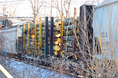 NECR 3040-437 (JaiJad) Tags: autumn fall train scenery track trains boxcar boxcars freighttrain traincars flatcar pulpwood coveredhoppercar traininwillimantic willimanticwaste necr3040 necr437