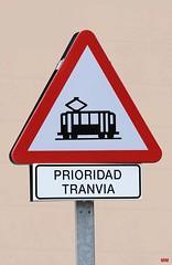 Prioridad (Marco Moerland) Tags: sign traffic trolley tram zaragoza schild streetcar priority trams tramway bord saragossa strassenbahn verkehrsschild tranvia verkeersbord vorfahrt tramways voorrang tranvias strassenbahnen prioridad waarschuwingsbord tramvie