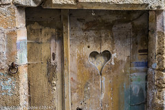 Sweet love (Philippe Graille Photographie) Tags: france coeur porte philippe turenne corrèze limousin romantique romantisme graille plusbeauvillagedefrance philippegraillephotographie