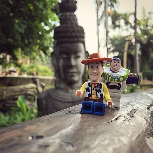 Welcome to Adventureland! #picoftheday #photooftheday #lego #legominifigure #cute #instatoy #minifigure #disney #disneyland #hkdisneyland
