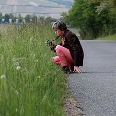 Etre dans sa bulle de photographe (Et si, et si ...) Tags: portrait nature nadia sancerre printemps balade justeaprsuneprise