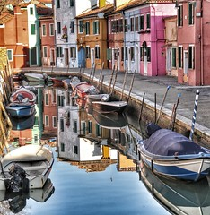 Colorful Burano (Lirba C) Tags: reflection water boats agua colorful italia colore village reflejo barcas acqua burano colorido riflessione