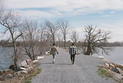 Causeway (Nsharp17) Tags: lake mamiya film 35mm vermont kodak path trail causeway lakechamplain ultramax mamiyasekor500tl
