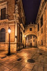 20160520_MG_4662-Alrededor de la catedral. (vipuchol) Tags: valencia catedral nocturna urbana