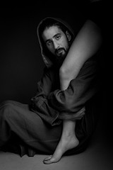 Tentation (aminefassi) Tags: portrait people blackandwhite bw man male men fashion studio morocco maroc mode homme  tunic onelight  djellaba jellaba  strobist aminefassi yassinchmaiklle