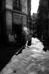 Fumando Espero (Nicols Rosell) Tags: barcelona street city urban espaa blancoynegro person calle spain nikon europa europe ciudad catalonia personas urbana catalunya d7100 blackwhrite nikond7100