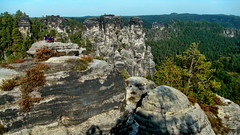 Bastei National Park, Saxonia (gerard eder) Tags: world travel reise viajes europa europe germany deutschland alemania saxonia sachsen sajonia rioelba riverelbe elbsandsteingebiet flus elbe bastei natur nature naturschutzgebiet gebirge berge felsen mountains montaas schsischeschweiz outdoor landscape landschaft paisajes