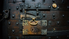 Lincoln_Lock (PJT.) Tags: door wood old metal screw handle wooden wire iron cathedral lock phillips grain lincolnshire bolt lincoln slider keyhole brass padlock plank stud spyhole olde latch filigree patena escutcheon