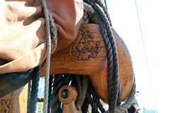 Viking motif (Canadian Pacific) Tags: toronto ontario canada canadian harbourfront redpath festival 2016 tall ships ship aimg4296 norwegian viking boat drakenharaldhrfagre dragonharaldfairhair waterfront