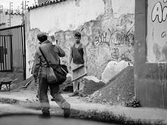 El Trabajo (Lex Arias / LeoAr Photography) Tags: street people blackandwhite bw blancoynegro monochrome monocromo calle nikon gente venezuela streetphotography monochromatic bn cinematic barquisimeto 2016 callejera cinematica nikond3100 everybodystreet leoarphotography lexarias iglexariasphotos
