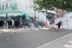 Paris (Federico Verani) Tags: street city paris france streets june work photography riot police travail strike rue legge francia citt loi parigi lavoro teargas polizia grve sciopero clashes generalstrike 2016 casseur grvegnrale scontri lacrimogeni scioperogenerale elkhomri loielkhomri 14june2016