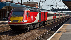 43114 43314 (JOHN BRACE) Tags: from car station power bobo virgin crewe when re seen 1979 built intercity 2007 numbered 125 doncaster livery brel engined 43114 43314 renumbered