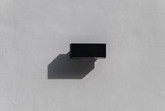 Negro y sombra (Oscar F. Hevia) Tags: lighting shadow españa white black blanco luz port puerto spain negro sombra luanco naturalparadise ligth lantern farol apply asturies aplique iluminación gozón paraisonatural principadodeasturias astrurias lluanco