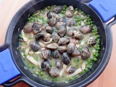 Cazuela marinera de sepia con almejas y guisantes (De rechupete) Tags: sepia almejas guisomarinero recetaconpescado