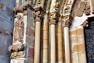 473 - Capiteles y Columnas - Monasterio San Salvador de Leyre (Navarra) - Spain.
