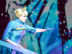 Elsa's Frozen Fractals (chipanddully) Tags: frozen disney dca elsa californiaadventure letitgo hyperiontheater queenelsa liveatthehyperion