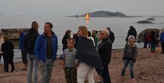Juhannusaatto (Basse911) Tags: people ihmisi beach ranta strand bonfire kokko brasa juhannus midsommar midsummer evening ilta hang hanko finland suomi nordic
