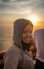 6AM, why so happy? (PMTN) Tags: sky woman portugal colors clouds sunrise canon cores mulher balloon balo cu nuvens nascerdosol coruche pedronascimento