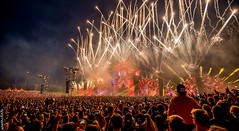 Defqon.1 Festival 2016 (Spanhof.Info - Illusions of Photo-Art) Tags: festival fire dragon outdoor sunny firework confetti laser airmax vuurwerk mainstage defqon dragonblood biddinghuizen hardstyle lovemyjob qdance defqon1 noisekick spanhof confettishoots