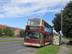 East Yorkshire 585 MF51MBV Beverley Rd, Hull on 246 (1280x960) (dearingbuspix) Tags: eastyorkshire 585 eyms mf51mbv