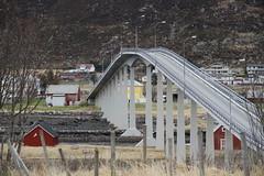 Opp & ned -|- Up & down (erlingsi) Tags: bridge houses norway norge oc hus bru fjre sunnmre erlingsivertsen remy mygearandme lowsea remybrua