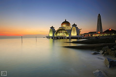 Selat Melaka Mosque (Shahrulnizam KS) Tags: sunset sky sun seascape beach nature landscape photography amazing nikon silent smooth tranquility mosque malaysia tranquil malacca nikond90 selatmelaka