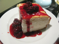 IMG_5927 (hector.acuna) Tags: food cooking cake dessert baking eating comida blackberries lisaweeks