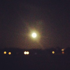 Who polished the moon tonight! (LKW*) Tags: square squareformat rise iphoneography instagramapp uploaded:by=instagram