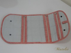 Necessaire para viagem (Mateli!) Tags: patchwork bolsinha necessaire frasqueira necessaireparaviagem