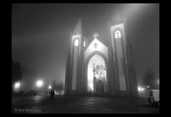 Campo de Ourique (tintas) Tags: bw branco de lisboa preto igreja campo santo tintas ourique condestvel