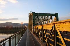 Eisenbahnbrücke, Linz (austrianpsycho) Tags: bridge river linz fluss danube donau linzurfahr urfahr brücke eisenbahnbrücke donaubrücke