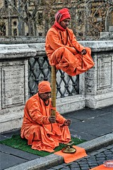the trick... (sermatimati) Tags: roma nikon centro colori reale arancione passeggiata ponti trucco sembra realtà sembrare pontedellangelo sermatimati