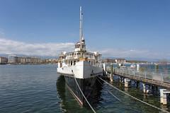 Old Cruiser (zbdh12) Tags: travel sun lake alps water canon eos switzerland boat europa europe geneva outdoor lakegeneva 6d