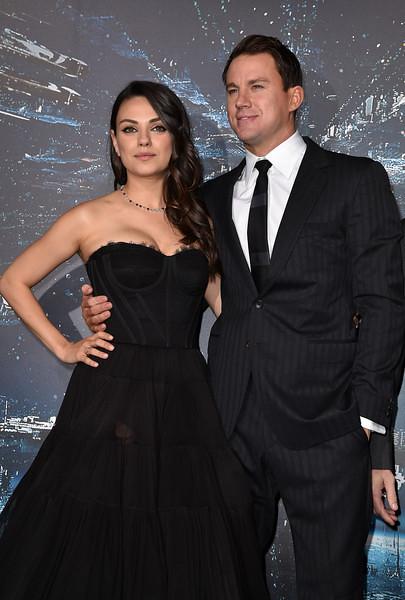 Mila Kunis tái xuất gợi cảm
