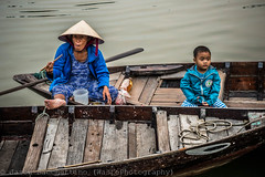 Break on the river (Viet Nam) (Jason WastePhotography) Tags: travel art river photography boat women asia break child vietnam hoian eat
